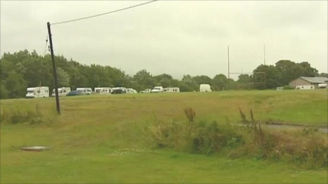 Travellers' camp closes school